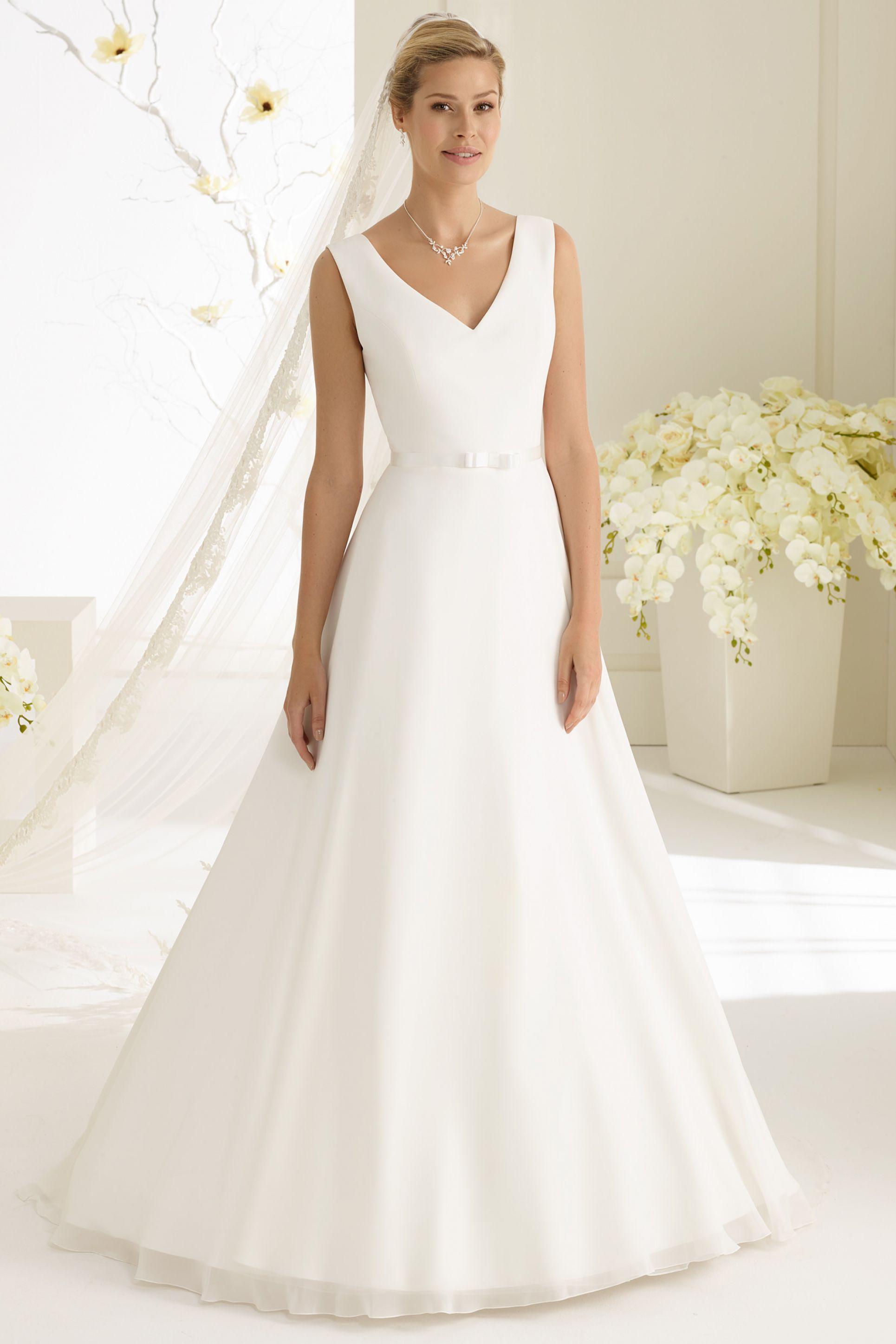 7dc2037afaf Νυφικό «Dalia» - Νυφικά Θρησκευτικού Γάμου | Νυφικά Είμαι Νύφη